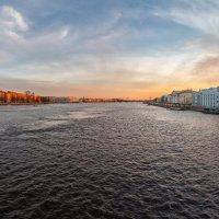 Апрельский закат на Неве :: Александр Кислицын