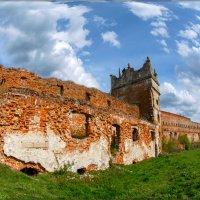 У старых крепостных стен... :: Юрий Гординский