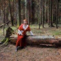 Ты укрой меня,лес, Там,где плачет кукушка. И, спускаясь с небес, Свет бежит по макушкам.  Подари мне :: ALISA LISA