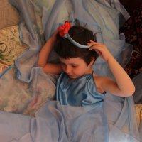Девочка  в голубом. :: Eva Tisse