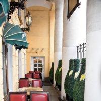 В Литературном кафе на Невском проспекте :: Валерий Подорожный