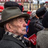 Портрет в интерьере... :: Виктор Льготин