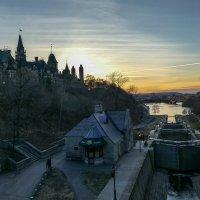 Парламентский Холм и канал Ридо при закате (Канада) :: Юрий Поляков