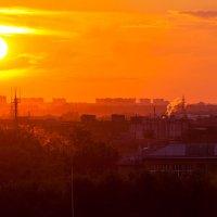 Закат над городом :: Илья Бесхлебный