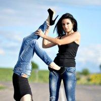 сестрички-акробатки :: Анна Резник