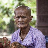 Камбоджийская крестьянка :: Ренат Менаждинов