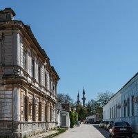 Улица с минаретами :: Юрий Яловенко