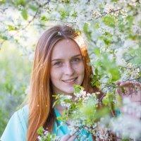 Фотосессия в весеннем саду :: Руслан Кокорев