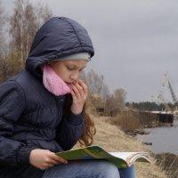 На берегу реки хорошо учить стихи! :: Валентина Налетова