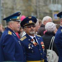 9 мая. Наши воины в тёмно-синем. :: Михаил Полыгалов