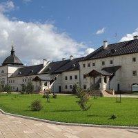 Братский корпус монастыря. Свияжск :: MILAV V