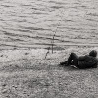 Рыбак на Волге :: Константин Керн