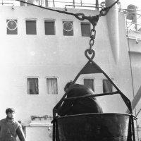 """Плавбаза """"Ледус""""РБРФ,1970 год,Атлантический океан :: Иволий Щёголев"""