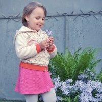 Доча с цветочком :: Андрей Майоров
