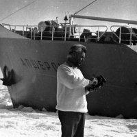 """1972-й год.Карское море.Танкер """"Апшеронск"""" ЛМП :: Иволий Щёголев"""