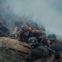 накрыла артиллерия в окопе... :: Владимир Колесников