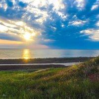 Степь и озеро Сиваш :: Денис Стеценко
