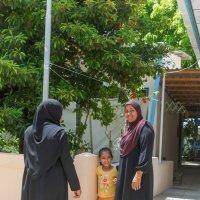 В деревне.Мальдивы. :: Татьяна Калинкина