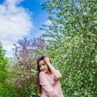 В цветущих яблонях :: Екатерина Смирнова