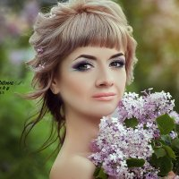 Девушка с сиренью! :: Inna Sherstobitova