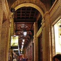Девушка и карта (серия - в Миланской ночи) :: M Marikfoto