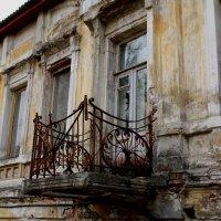 старинный балкон :: Наталья Сазонова