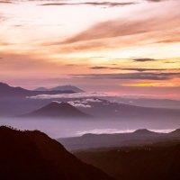 Рассвет на вулкане Бромо :: Марина Маркевич