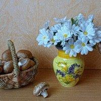 Корзинка с шампиньонами :: Nina Yudicheva