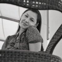 Сквозьстульный портрет :: Андрей Майоров