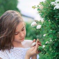 Девочка с цветочком :: Mitya Galiano
