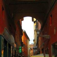 Старая Болонья - городской пейзаж с цепью :: M Marikfoto