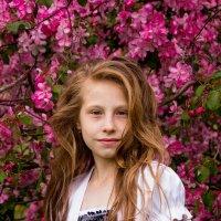 Девушка в розовом :: Мария Федоренко