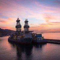 Рассвет в бухте Санта-Крус-де-Тенерифе. :: Надежда