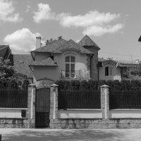 Жилой   дом  -  особняк   в   Ивано - Франковске :: Андрей  Васильевич Коляскин