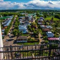 Вид на центр Суздаля с Преподобенской колокольни Ризоположенского монастыря :: Dimirtyi