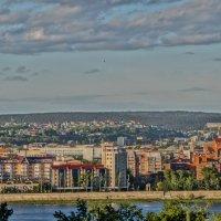Вид на набережную :: Юрий Николаев