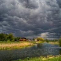 Надвигается дождь. :: Александр Кореньков
