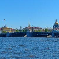 Нева и город :: александр