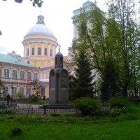 Александра-Невская Лавра в июне месяце. :: Светлана Калмыкова