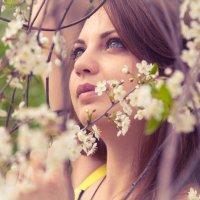 В цветах :: Mariya Zazerkalnaya