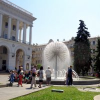 Популярный фонтан :: Лара Амелина