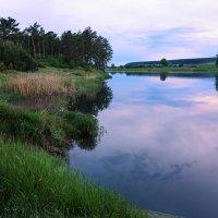 Июньский вечер на реке... :: Александр Рукомойкин