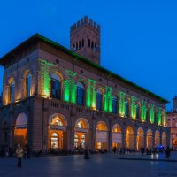 Болонья. Палаццо Подеста  и Башня Аренго  на Пьяцца Маджоре :: Надежда Лаптева