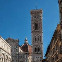 Флоренция. Собор Санта-Мария-дель-Фьоре и колокольня Джотто. :: Надежда Лаптева