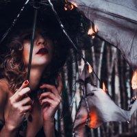 Ведьма в огне :: Юлия Астратенко