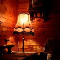 Люблю посидеть под этой лампой ... :: Анатолий. Chesnavik.