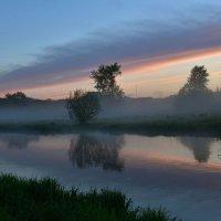 Туман на реке. :: Наталья