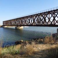 Старый мост в Геническе... :: Алекс Аро Аро