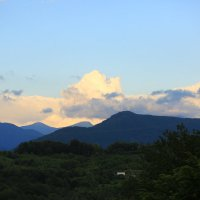 Облака в горах во время заката :: valeriy khlopunov
