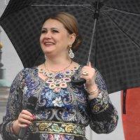 под дождем с улыбкой :: Михаил Жуковский